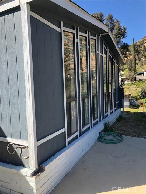 24425 Woolsey Canyon Road, Canoga Park CA: http://media.crmls.org/medias/0d8cc381-638c-43a9-a22f-c23a3dac947a.jpg