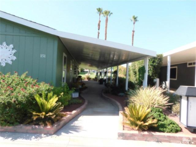 73450 Country Club Drive, Palm Desert CA: http://media.crmls.org/medias/0d9157fb-2d56-442b-bd38-2565f1751a6d.jpg