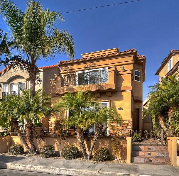 613 Frankfort Avenue, Huntington Beach, CA, 92648