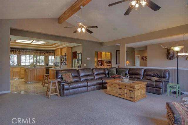 53890 Dogwood Creek Drive, Bass Lake CA: http://media.crmls.org/medias/0d9a70d8-74f3-4800-adb7-187eece0c468.jpg