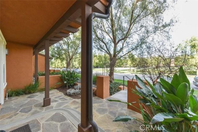 42 Pathway, Irvine CA: http://media.crmls.org/medias/0da3ba7f-3925-44b0-ba9b-d926d6083fb1.jpg