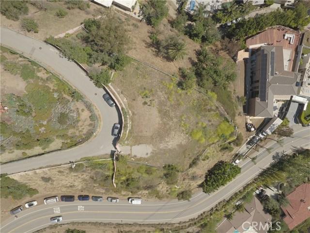 7305 Pyramid Pl, Los Angeles, CA 90046 Photo 2