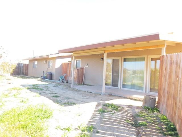 59510 Sunflower Drive, Yucca Valley CA: http://media.crmls.org/medias/0db91c0b-759f-4a1a-8964-fd2f424ab280.jpg