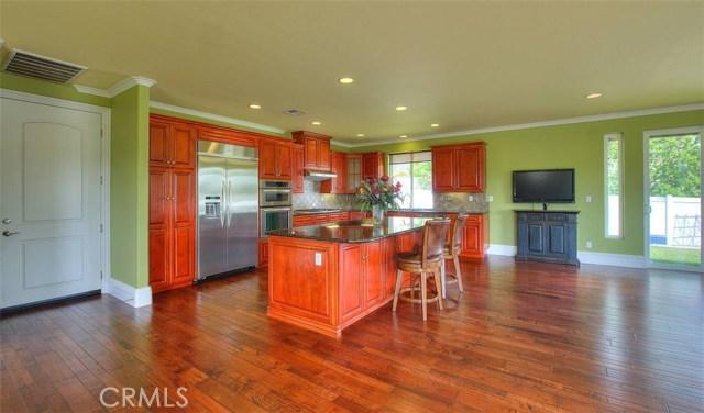 3186 Riverside Terrace, Chino CA: http://media.crmls.org/medias/0dbeca89-1ef2-488c-9933-b730ecddc955.jpg