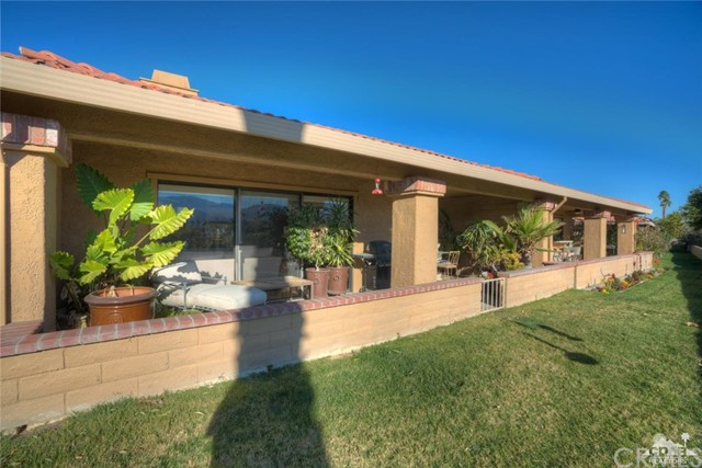 169 Camino Arroyo, Palm Desert CA: http://media.crmls.org/medias/0dd01558-e7a4-47a9-b017-f09bc7adff87.jpg