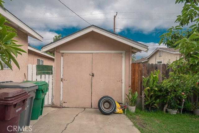 323 E Pomona Street, Santa Ana CA: http://media.crmls.org/medias/0dd0f14b-54e2-4a97-9be5-0f15851c1691.jpg