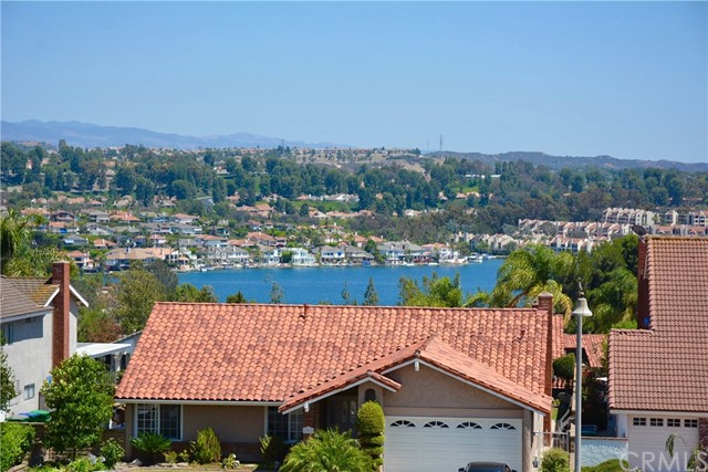 22476 Melida Mission Viejo, CA 92691 is listed for sale as MLS Listing OC16765504