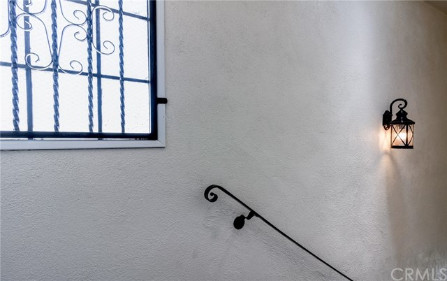 7817 S Western Avenue, Los Angeles CA: http://media.crmls.org/medias/0df08a70-8cee-4bde-ab01-4c979a02d7e2.jpg