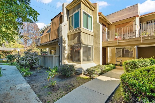 Detail Gallery Image 1 of 1 For 843 Cinnamon Ln, Duarte,  CA 91010 - 2 Beds   2 Baths
