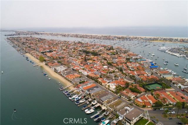 208 Via Lido Nord, Newport Beach CA: http://media.crmls.org/medias/0e44cf52-b3c1-4bdc-be2b-1a2a716ba5db.jpg