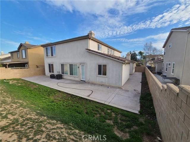 13844 Dellbrook Street, Eastvale CA: http://media.crmls.org/medias/0e511070-f3be-4710-9c97-d5e2a1fad466.jpg