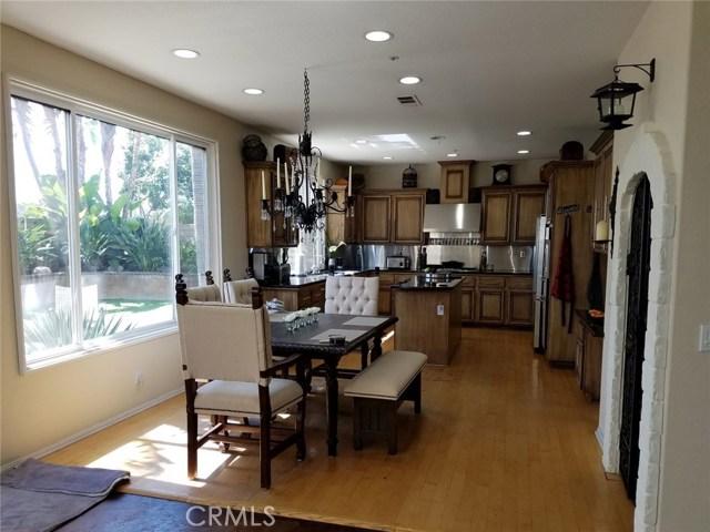 1324 Garten Drive, Placentia CA: http://media.crmls.org/medias/0e605c7b-ad2f-4c29-a4d4-1d906083c838.jpg
