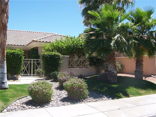 78591 Purple Sagebrush Avenue, Palm Desert CA: http://media.crmls.org/medias/0e60e582-fdc4-4d65-bc42-7f7d8e6ad0ae.jpg
