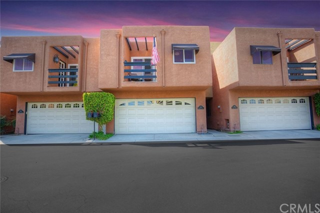 606 Terrace Circle Huntington Beach, CA 92648 OC18087625