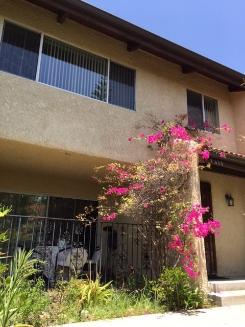 9638 Via Rimini 116, Sun Valley, CA 91504