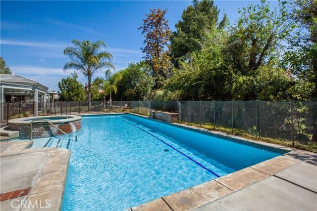 16190 Suttles Drive, Riverside CA: http://media.crmls.org/medias/0e81df6d-f6cf-4b86-a866-07647a7bdbe9.jpg