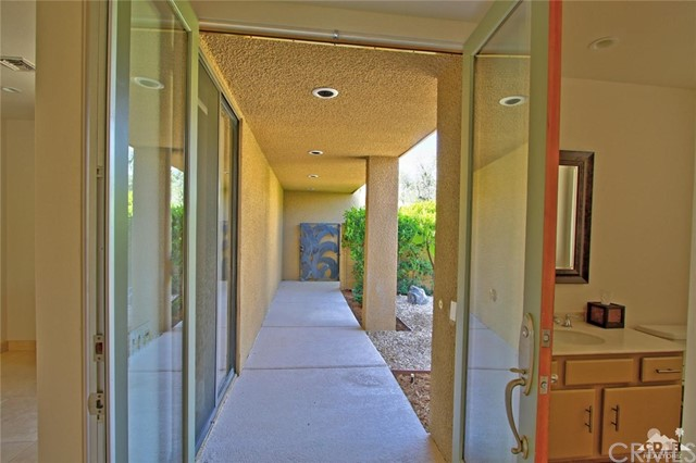 1350 Marion Way, Palm Springs CA: http://media.crmls.org/medias/0e87db12-a693-461a-87f5-d5c2cd0bd68d.jpg