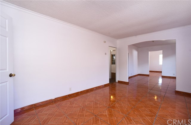 11224 Towne Av, Los Angeles, CA 90061 Photo 3