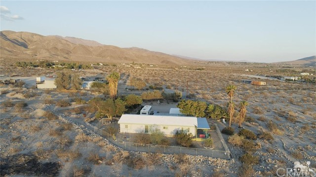 26201 Hopper Road, Desert Hot Springs CA: http://media.crmls.org/medias/0e9288ab-228d-4a54-bfff-51d0a2830e6b.jpg