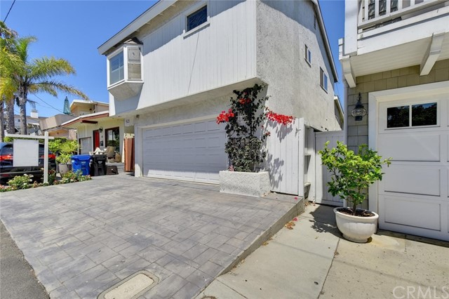425 Gould Ave, Hermosa Beach, CA 90254 photo 2
