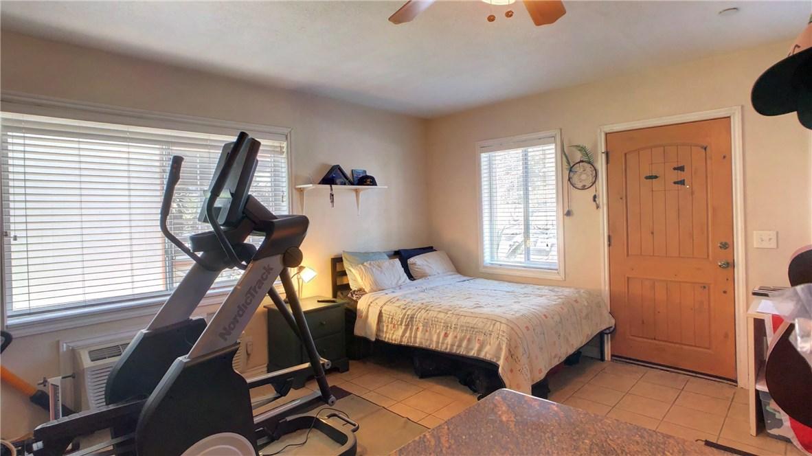 212 Catalina Avenue, Avalon CA: http://media.crmls.org/medias/0eb8d0fe-cf75-493a-afd1-fb95e38a1d5a.jpg