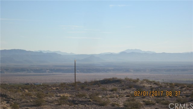 1 Highway 95, Needles CA: http://media.crmls.org/medias/0eb9f0ed-872e-4029-a020-c19ce28208df.jpg