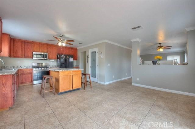 31787 Ridgeview Drive, Lake Elsinore CA: http://media.crmls.org/medias/0edb5469-7194-4999-95b5-8b19ddb6e197.jpg