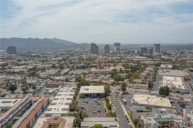 444 Piedmont Avenue, Glendale CA: http://media.crmls.org/medias/0edd7a3c-aff4-40a3-b529-20e758c857b0.jpg
