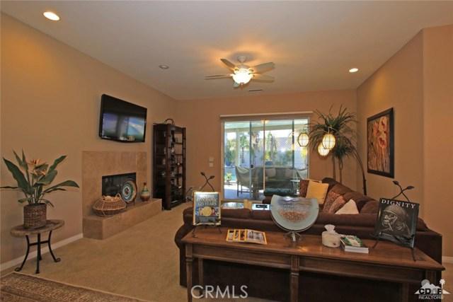 7 Dickens Court, Rancho Mirage CA: http://media.crmls.org/medias/0ee6e531-0012-4bee-8926-d4ea13a7a3bb.jpg