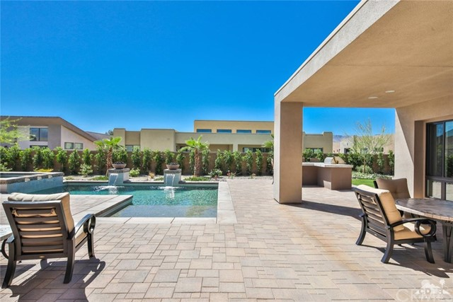 35 Via Noela, Rancho Mirage CA: http://media.crmls.org/medias/0eee6e9e-c136-4b7b-a765-649ddc9ba1a6.jpg