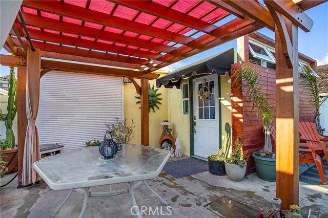 231 61st Street, Newport Beach CA: http://media.crmls.org/medias/0ef5c1be-179d-41dd-8010-876a0946caed.jpg