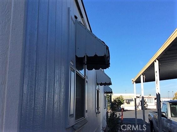 432 S Harbor Boulevard, Santa Ana CA: http://media.crmls.org/medias/0efd43d2-74f1-40ec-aabf-527c308b77c9.jpg