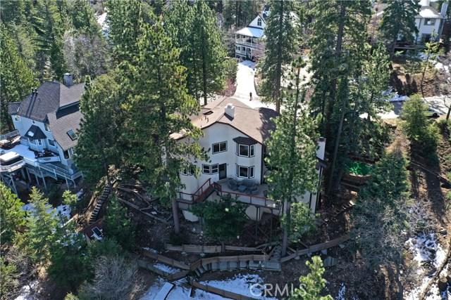 283 Fairway Drive, Lake Arrowhead CA: http://media.crmls.org/medias/0f0139ec-5c9e-482c-a2ea-130e1ea8120a.jpg