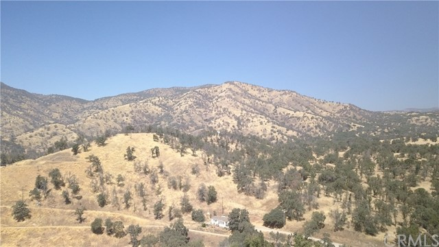 35343 Hopewell Road, Squaw Valley CA: http://media.crmls.org/medias/0f102de6-16f3-422a-b757-fb523edd1eb6.jpg