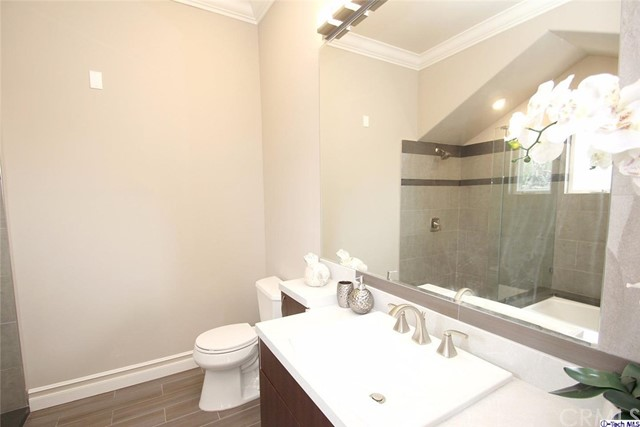 201 N Reese Place Unit 206 Burbank, CA 91506 - MLS #: 317006137