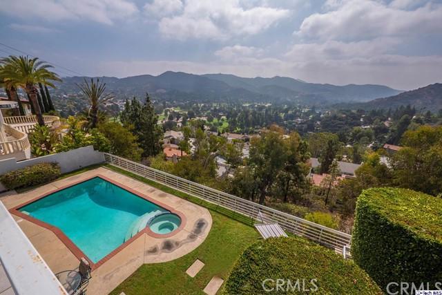 3340 Oakmont View Drive, Glendale, CA 91208