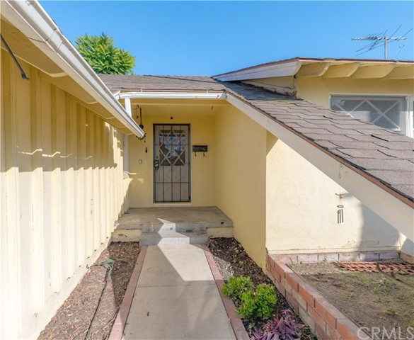 322 S Nutwood St, Anaheim, CA 92804 Photo 2