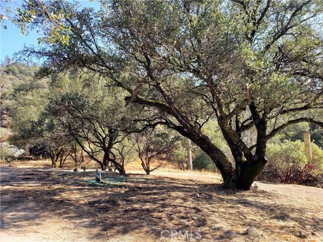 59201 Road 225, North Fork CA: http://media.crmls.org/medias/0f2f4508-36f1-4adc-bb3b-0b33afacf53a.jpg