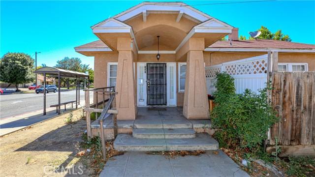 1625 E Olive Avenue, Fresno CA: http://media.crmls.org/medias/0f3b55a9-f3f0-4b46-98f8-a6ab5469e1a6.jpg