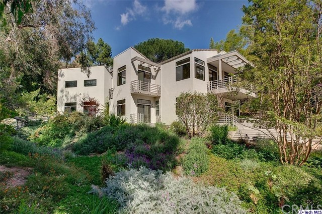 Single Family Home for Sale at 1612 Woodglen Lane Altadena, California 91001 United States