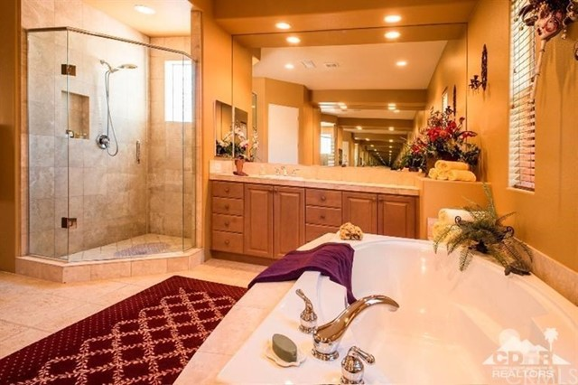 87 Avenida Lirio Blanco, Rancho Mirage CA: http://media.crmls.org/medias/0f428ba8-9756-4e30-be8a-4613c2090343.jpg