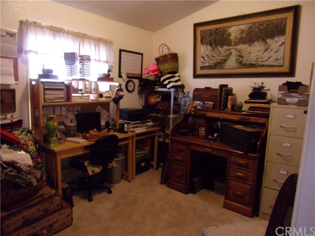 801 W Country Club Boulevard, Big Bear CA: http://media.crmls.org/medias/0f50f805-1e70-4f7d-b6dc-31e3f8373d17.jpg