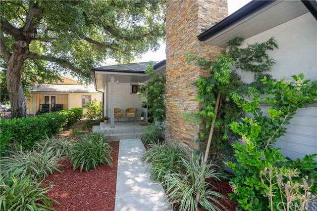 2920 Estado Street, Pasadena CA: http://media.crmls.org/medias/0f5374ea-d1f8-469b-8957-8ceef0433214.jpg