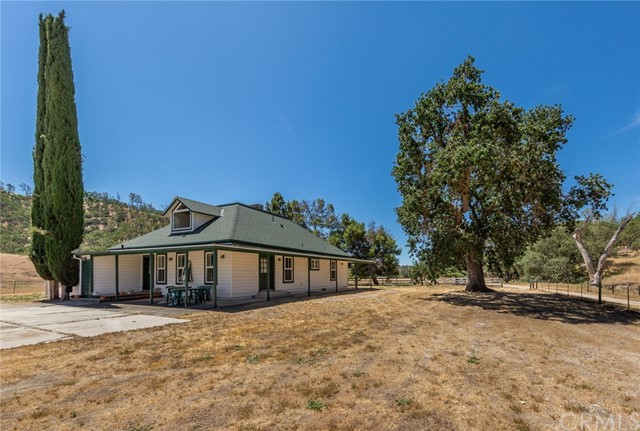 1 Ranchita Avenue San Miguel, CA 93451 - MLS #: NS18135820