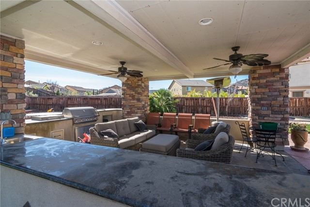 32727 Dorset Ct, Temecula, CA 92592 Photo 2