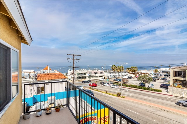 320 Rosecrans Ave, Manhattan Beach, CA 90266 thumbnail 12
