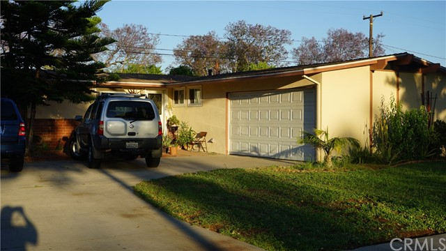 Single Family Home for Sale at 2213 Pacific Avenue N Santa Ana, California 92706 United States