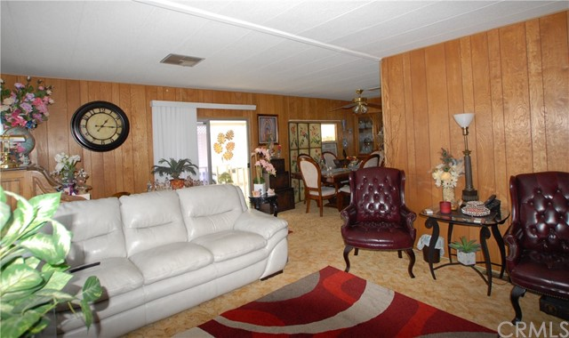 881 N. Lake Street, Sp. 220, Hemet CA: http://media.crmls.org/medias/0fadb965-6e3e-400d-90f0-9d5d278e99c2.jpg