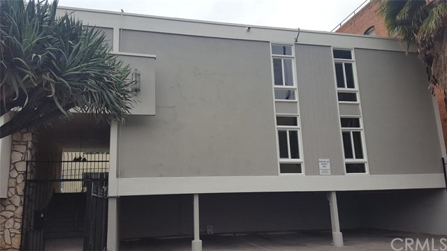 Single Family for Sale at 417 Kenmore Avenue S Los Angeles, California 90020 United States
