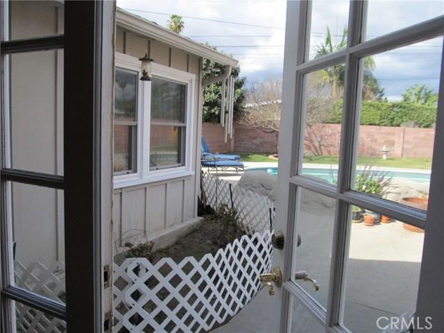 1155 W Masline Street, Covina CA: http://media.crmls.org/medias/0fb33358-92bb-4470-ade8-c4de6f2ff054.jpg